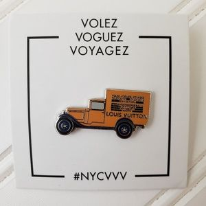 LOUIS VUITTON 2017 Special Edition Pin